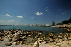 De kust van de Zwarte Zee met Constanta-haven, Roemenië Stock Foto