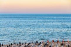 De kust van de Zwarte Zee van Albena, Bulgarije met gouden zand Stock Foto