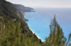 De kust van Egremni in Lefkada, Griekenland Stock Afbeeldingen