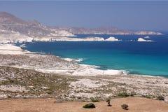 De Kust van het Eiland van Milos Stock Afbeelding