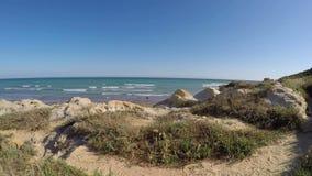 De kust van het weglandschap van Albufeira portugal stock video