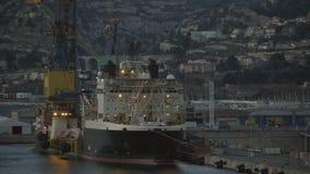 De kust van Marseille met haven en huizen, Frankrijk stock video