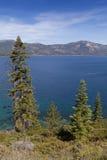 De Kust van Tahoe van het meer stock afbeeldingen