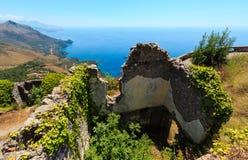 De kust van de zomerthyrreense zee, Maratea, Italië Stock Afbeelding