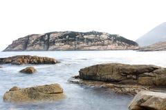 De kustachtergrond van de rots Royalty-vrije Stock Foto's