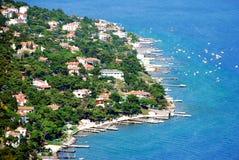 De kustlijn en de stad van het eiland Royalty-vrije Stock Afbeeldingen
