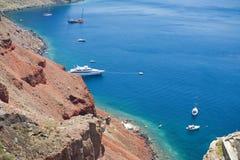 De kustlijn van het Eiland van Santorini Stock Afbeelding