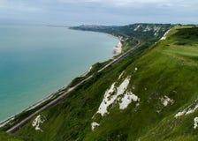 De kustlijn van Kent tussen Dover en Folkestone Stock Afbeelding