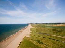 De kustlijn van Norfolk, zonnige dag bij het strand Royalty-vrije Stock Fotografie