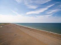 De kustlijn van Norfolk, zonnige dag bij het strand Stock Foto's