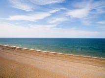 De kustlijn van Norfolk, zonnige dag bij het strand Stock Afbeelding