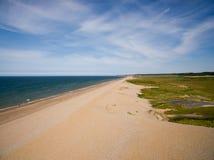 De kustlijn van Norfolk, zonnige dag bij het strand Stock Foto