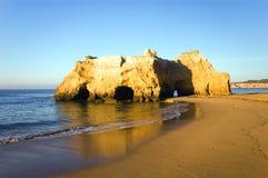 De kustlijn van Portugal algarve Stock Fotografie