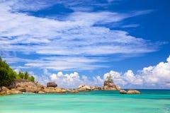 De kustlijn van Seychellen Stock Fotografie