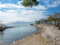De kustlijn van wijst baai, Hong Kong af royalty-vrije stock foto's