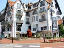 De kusttoevlucht knokke-Heist in Belgische provincie van West-Vlaanderen wordt het gevestigd langs Noordzee Royalty-vrije Stock Foto
