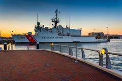 De Kustwachtschip van Verenigde Staten in de Binnenhaven van Boston, in BO Stock Fotografie