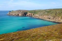 De kustweg van Cornwall aan het Eind van het Land. stock afbeeldingen