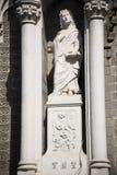 De kyrkliga statyerna Royaltyfri Bild