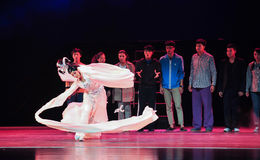 De långa muffarna av Kung Fu-The den historiska stilsången och magisk magi för dansdrama - Gan Po Royaltyfria Foton