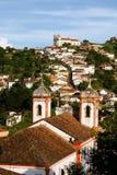 De l'église à l'église dans Ouro Preto image stock