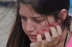 De l'adolescence dans l'ennui photographie stock libre de droits