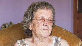 De la abuela mujer mayor mismo Foto de archivo libre de regalías