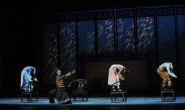 De la butaca de la danza- acto de madera pasado de moda en segundo lugar de los eventos del drama-Shawan de la danza del pasado Imágenes de archivo libres de regalías