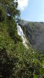 ` 01 de la cascada del ` Fotos de archivo
