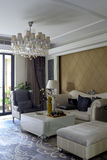 De la combinaison de meubles et de couleur de salon image libre de droits
