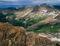 De la cumbre del pico centenario, montañas de La Plata, San Juan National Forest, Colorado imagen de archivo