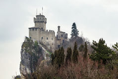 De La Fratta或Cesta塔,圣马力诺 免版税库存图片