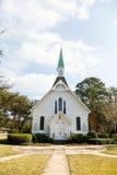 De la iglesia trayectoria blanca del ladrillo abajo Fotografía de archivo libre de regalías