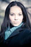 De la mujer retrato trigueno joven al aire libre fotos de archivo libres de regalías