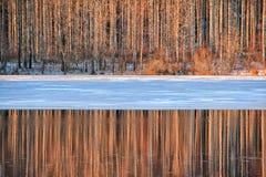 De la puesta del sol del invierno del paisaje lago hermoso nature al aire libre Imagenes de archivo