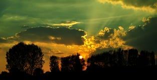 De la puesta del sol río de Vístula a un lado Imagenes de archivo