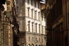 De la visión calle lateral abajo de Florencia Imágenes de archivo libres de regalías