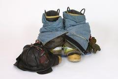 De Laarzen en de Helm van de brand Stock Afbeeldingen