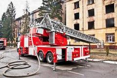 De ladder van de brandmotor stock afbeelding