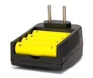 De Lader en de Batterijen van de batterij Stock Afbeeldingen