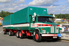 De Ladingsvrachtwagen van Scania LS 140 Stock Foto
