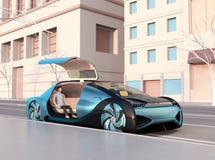 De lage mensen die van de veelhoekstijl in een autonome sedan zitten die op zich het bewegen wachten vector illustratie
