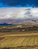 De lagen van de aard onder berg Velebit Stock Foto's