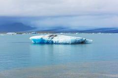 De lagune van de Jokulsarlongletsjer in IJsland Royalty-vrije Stock Foto