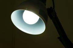 De lamp steekt aan Stock Foto's