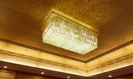 De lamp van het kristalplafond Stock Afbeeldingen