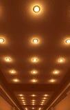 De lampen van lijnen op het plafond Stock Afbeelding