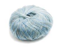 De lana azul una cuerda de rosca Imagenes de archivo