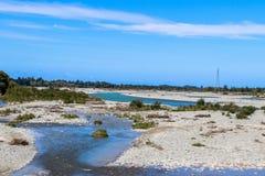 De landbouwbedrijven, de rivieren en de bossen van het zuideneiland van Nieuw Zeeland royalty-vrije stock foto