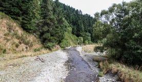 De landbouwbedrijven, de rivieren en de bossen van het zuideneiland van Nieuw Zeeland stock afbeeldingen